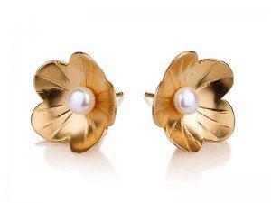 עגילי זהב צמודים: פרח ופנינה לבנה - עלית הימן